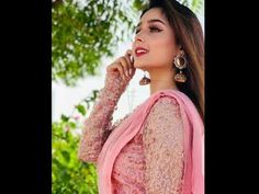 Sumaiyya Buksh Looking Gorgeous in pink saree - YouTube Trendy Style, Trendy Fashion, Pink Saree, Looking Gorgeous, Stylish, Youtube, Style Fashion, Trendy Outfits, Youtubers