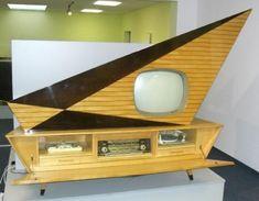 not minimalistic TV set...