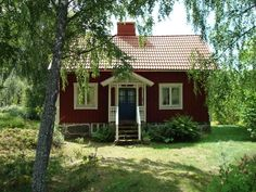 Little house id love to live there Weekend Cottages, Cabins And Cottages, Red Houses, Little Houses, Future House, My House, Small Country Homes, Sweden House, Summer Cabins