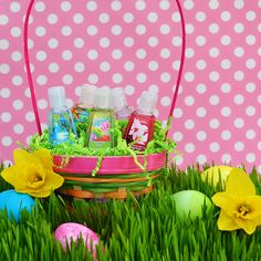 We're on the hunt for the perfect Easter basket! #PocketBac