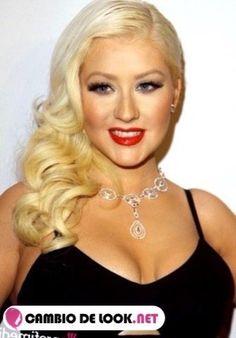Cristina Aguilera sus peinados Christina Aguilera, Pop Music Artists, Beautiful Christina, Andre The Giant, Medium Short Hair, Blonde Women, Salma Hayek, Beautiful Women, Beautiful Places
