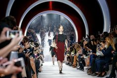 Christian Dior Fall 2016 Ready-to-Wear Atmosphere and Candid Photos - Vogue