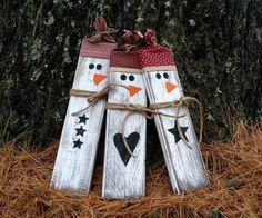 Distressed Rustic Wooden Snowmen Christmas by LittleZebrasBoutique Christmas Wood Crafts, Primitive Christmas, Christmas Signs, Christmas Snowman, Rustic Christmas, Christmas Projects, Simple Christmas, Holiday Crafts, Christmas Crafts