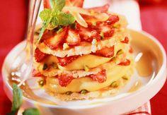 Mille-feuilles aux fraises pas cher. Voir la recette desMille-feuilles aux fraises pas cher >>