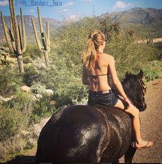 Amber Marshall on Hawk in Arizona on her vaca. !