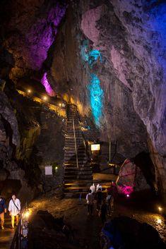 東京都西多摩郡奥多摩町日原にある日原鍾乳洞 Nippara shounyuudou (nippara Cave)Okutama Tokyo
