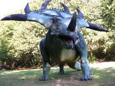 C'est dans ce parc de 10 hectares que les visiteurs peuvent admirer des maquettes d'animaux et d'hommes préhistoriques, ainsi qu'un musée donnant des détails sur cette époque. Source image: Cardo Land