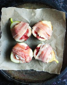 Figs prosciutto - An amazing appetizer, baked figs prosciutto is sweet, salty, and smoky, all in one bite, thanks to the goat cheese prosciutto wrapping.