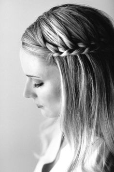 Stunning side braid hairstyles for summer.