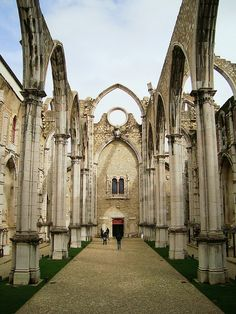 Desde 1 de Novembro de 1755, Convento do Carmo. Since 1st of November 1755, Carmo convent.  Lisbon - PORTUGAL