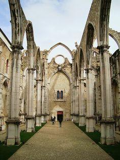 Desde 1 de Novembro de 1755, Convento do Carmo. Since 1st of November 1755, Carmo convent.  Lisbon - PORTUGAL