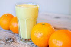 Ontbijt: sinaasappel, banaan, yoghurt, havermout