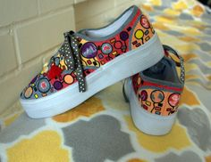 Hand painted platform sneakers whose by TheOriginalSillabeas