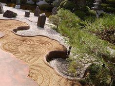 「臥雲の庭」 #京都#東福寺 #霊雲院 #臥雲の庭 #お気に入り #ファインダー越しの私の世界 #京都#寺院 #寺 #春 #日本庭園 #重森三玲 #japan #kyoto #tohukuji #japantrip #temple #travel#garden #japanesegarden #lovers_nippon #travelphotography#photo_shorttrip#bestphoto_japan#lumix#spring #springday#japanese_gardens