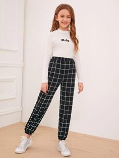 To find out about the Girls Elastic Waist Grid Carrot Pants at SHEIN, part of our latest Girls Pants & Leggings ready to shop online today! Teenage Girl Outfits, Kids Outfits Girls, Cute Girl Outfits, Girls Fashion Clothes, Tween Fashion, Teen Fashion Outfits, Cute Casual Outfits, Cute Outfits For Kids, Stylish Outfits