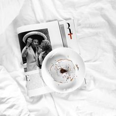 Imma get fit one day you'll see... But until then I'm having pretty sprinkled donuts for breakfast. #whywhiteworks #onthebed
