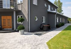 MARKSTEN FLISBY GRÄNDSTEN ANTIK TUMLAD GRÅ 4,5 CM Dark Colors, Backyard Landscaping, Paint Colors, Bbq, Construction, Patio, House Exteriors, Walkways, Landscape