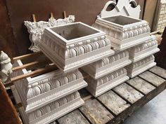 Some full square plaster Roman Doric capitals drying in preparation for shipment. House Columns, Facade House, Architecture Details, Classical Architecture, Wood Furniture Legs, Pillar Design, Pooja Room Door Design, Classic House Design, Cladding Systems