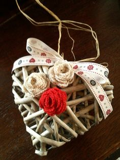 Cuore con rosellini fatte a crochet con il tutorial su you tube