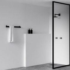 いいね!2,284件、コメント18件 ― Scandinavian Design Conceptさん(@simple.form)のInstagramアカウント: 「•• Minimalist bathroom recap. @nichba_design's parred back and simple bathroom design is our most…」