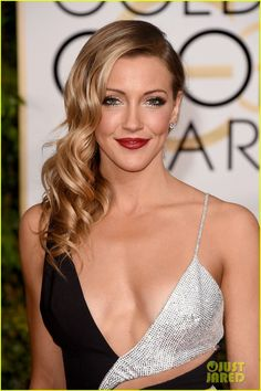 Arrow's Katie Cassidy  at the Golden Globes 2015