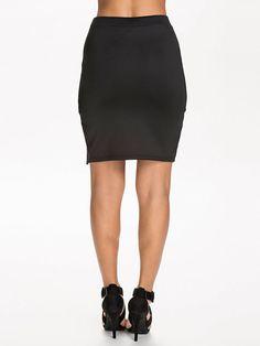 http://nelly.com/pl/odziez-dla-kobiet/odziez/spódnice/nly-trend-917/complete-your-look-skirt-918365-14/