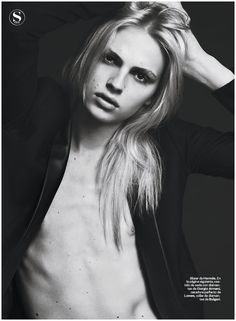 Andrej's Reign – Still captivating the fashion world with his androgynous appeal, model Andrej Pejic snags his latest cover, photographed for the weekly edition of S Moda. Captured by Jonas Bresnan and outfitted by Isabel Moralejo, Andrej lends the magazine glamour in an evolving package. (x-posted to The Fashionisto)