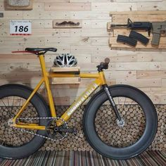 and his with our and an automatic rifle. Bmx, Mtb Bike, Cycling Bikes, Bici Fixed, Factory Five, Fixed Gear Bicycle, Bike Photography, Urban Bike, Speed Bike