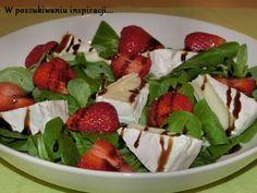 Salatka z roszponki, truskawek i camemberta