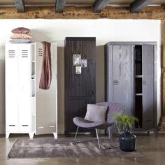 Van een opgeruimd huis worden we blij! Op onze blog van vandaag delen we veel kasten inspiratie (link in bio). Op deze foto zie je onze stoere lockerkast Stijn, keukenkast Tara en Kluis kast op een rij. Welke is jouw favoriet? #karwei #woonwekenbijkarwei #blog #home #inspiratie #interior #styling