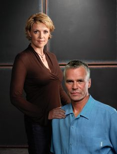 Richard Dean Anderson and Amanda Tapping. Aka Sam and Jack from sg1