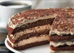 Lagkage tiramisu | Ude og Hjemme Sweet Desserts, Sweet Recipes, Delicious Desserts, Yummy Food, Danish Cake, Danish Food, Baking Recipes, Cake Recipes, Dessert Recipes