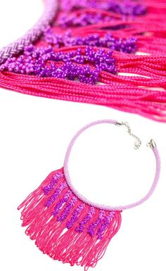 70 % Rabatt auf Halskette-böhmischen Quaste Fransen Statement Collier mit rosa lila Perlen Quaste, Textil-Stoff-Schmuck Diese elegante Design-Statement-Kette ist handgefertigt mit lila Perlen häkeln Quasten, rosa Fransen und Lavendel-Schnur. Es hat eine überhängende Kette mit einem