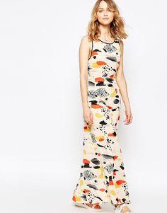 Harlyn Sleeveless Criss Cross Back Maxi Dress --- 59.72€ /// ASOS