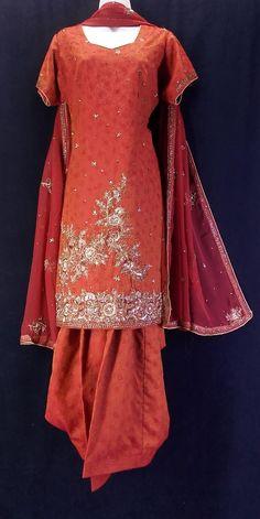 Reddish orange hand-embroidered patiala salwar kameez (XL)