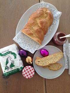 Osterzopf Bread, Food, Smooth, Play Dough, Easter Activities, Food Food, Brot, Essen, Baking