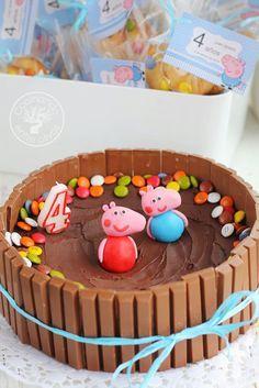 Tarta de cumpleaños de Peppa y George Pig en el barro, chocolate