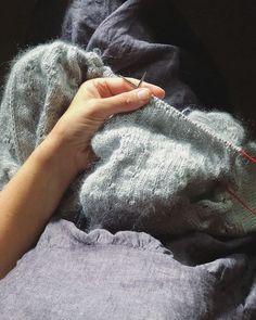 Its kinda muggy and Im under the last few rows of fluffy alpaca and mohair ...  . . . #knittersofinstagram #knitting_inspiration #knitters #knittinglove #instaknits #igknitters #loveknitting #knittersoftheworld #ravelry #knittingaddict #knitstagram #yarnlove #knittinginspiration #knitting #loveknitting #trulymyrtle #trulymyrtledesigns