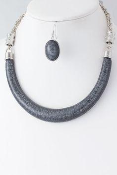 DivaByDzine - Faux Stone Crescent Necklace Set, $12.00 (http://www.divabydzine.com/faux-stone-crescent-necklace-set/)