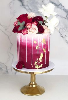 Burgundy Wedding Best Ideas For Fall Wedding 2019 Wedding Forward Burgundy Wedding Best Ideas For Fall Wedding 2019 Wedding Forward Tania Anima taniavisinoni Cakes romantische dekorierte Hochzeitstorte mit nbsp hellip Cupcake burgundy Pretty Cakes, Beautiful Cakes, Amazing Cakes, Wedding Cakes With Cupcakes, Elegant Wedding Cakes, Simple Elegant Wedding, Trendy Wedding, Elegant Birthday Cakes, 18th Birthday Cake