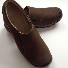 New Keen Shoes Sisters Leather Nubuck Brown Slip On Womens 7 Clogs Loafers Mocs #KEEN #LoafersMoccasins #Casual
