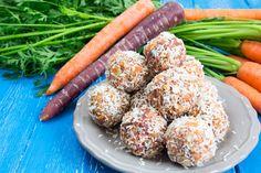 Carrot Cake Energy Balls - Gesund, lecker, vegan, zuckerfrei und perfekt als Snack für Zwischendurch! Fertig in nur 10 Minuten!