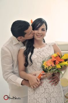 Foto estudio de novios. Fotografía de bodas civiles y religiosas. asistencia completa a el evento. #fotografía# #bodas# #amor# #compromiso#