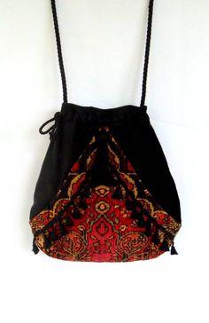 Boho Red And Black Tapestry Bag Tassel Fringe Pocket Boho Bag Tapestry Drawstring Bag Bohemian Bag Crossbody Purse Boho Outfits, Fashion Outfits, Popular Purses, Ethno Style, Boho Trends, Tapestry Bag, Boho Bags, Chenille, Draped Fabric