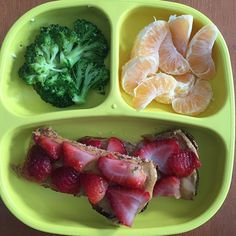 You can tell it's grocery day based on how simple our lunch is. Cinnamon raisin toast with sugar free peanut butter and strawberries, clementines, broccoli. She ate about half of everything. #lunch #toddlereats #toddler #toddlerfood #toddlerlunch #toddlermeals #toddlermealideas #blw #replaymeals #replayrecycled #healthykids #healthylunch #whatmykideats