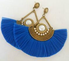 Brinco Artesanal Azul Royal de Leque