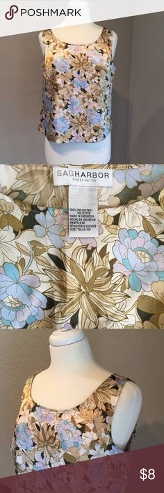 "Sag Harbor Size 12P Floral Tank Top 🎀 Great pre-loved condition. 100% polyester Bust - 39"" Length - 20.5"" Top is very silky feeling and has a hidden side zipper. Item #SB405 Sag Harbor Tops Tank Tops"