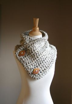 Cowl Scarf, Neck Warmer with buttons, Crochet