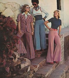 fashion for women 1973 Bobbie Brooks 2 Joane Vitelli Joyce Walker 70s Outfits, Mode Outfits, Vintage Outfits, Fashion Outfits, Seventies Fashion, 60s And 70s Fashion, Retro Fashion, 70s Women Fashion, Cheap Fashion