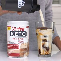 Registered Dietitan and SlimFast Plan Consultant, Maryann Walsh serves up some Keto coffee creativity with three Keto-friendly ideas. Keto Smoothie Recipes, Shake Recipes, Keto Coffee Recipe, Coffee Recipes, Starbucks, Keto Shakes, Low Carb Protein Shakes, Menu, Meal Replacement Shakes